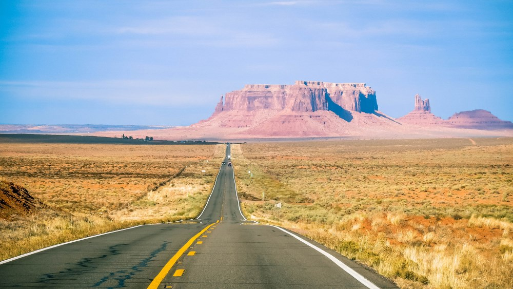 The-road-to-Monument-Valley-Arizona